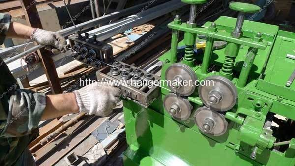 Wire-Feeding-System-for-Wire-Hanger-Making-Machine
