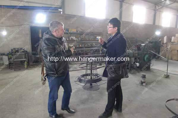 USA-Customer-Visit-Our-Wire-Hanger-Factory-Plant