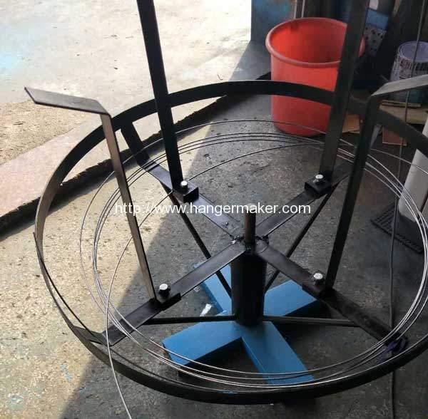 Metal-Hanger-Making-Machine-Wire-Discharge-Device